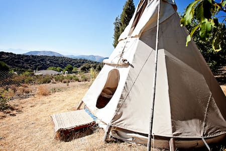 Amazing tipi Sioux-Lakota - Huetor de Santillan