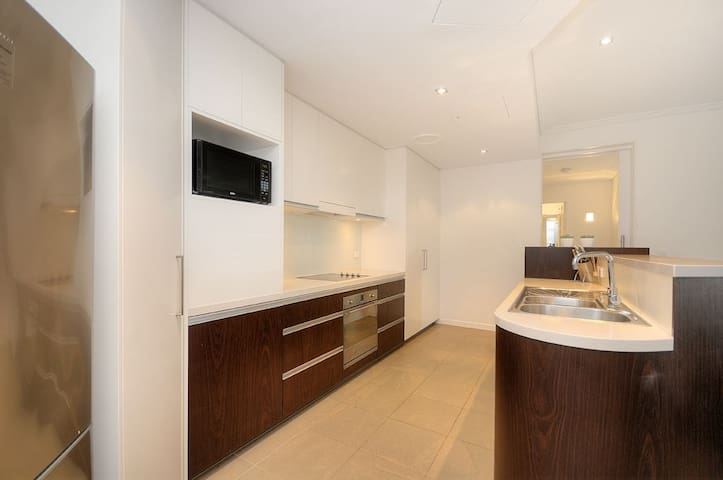 3-BEDROOM APARTMENT GOLD COAST