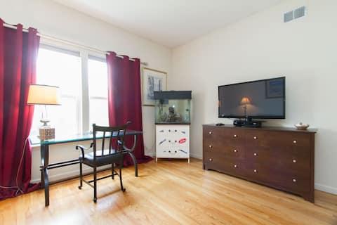 """Elegant """"2-Bedroom"""" En-Suite + Private Entry"""