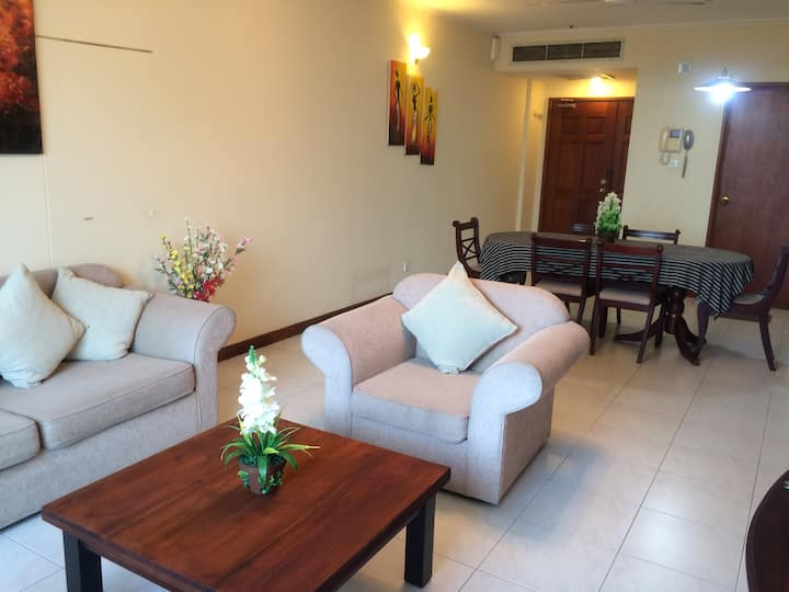 Royal Park Luxury  3BR Apartment @18 Colombo