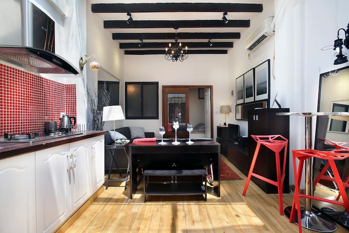Spacious Loft in the Middle of French Concession - Shanghai - Hus