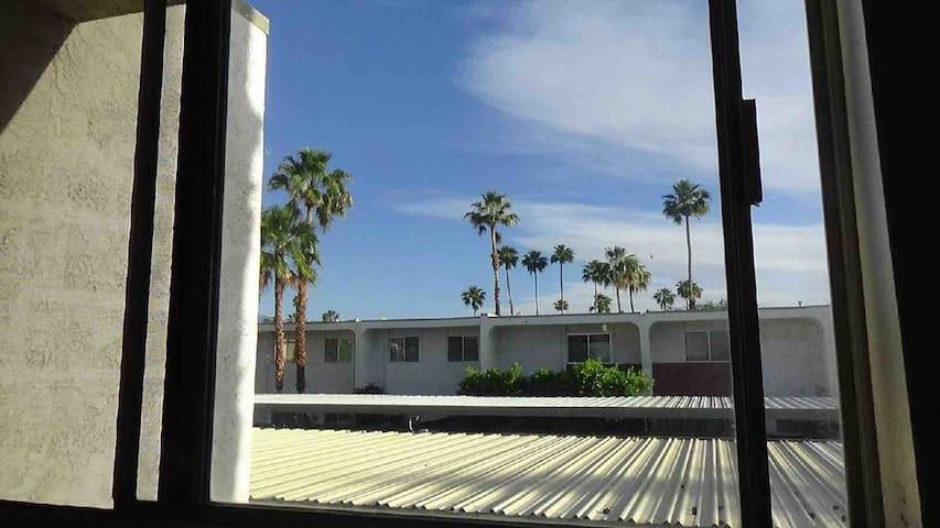 Palm Springs Condo2 5 Min To Downtown/Strip/Casino