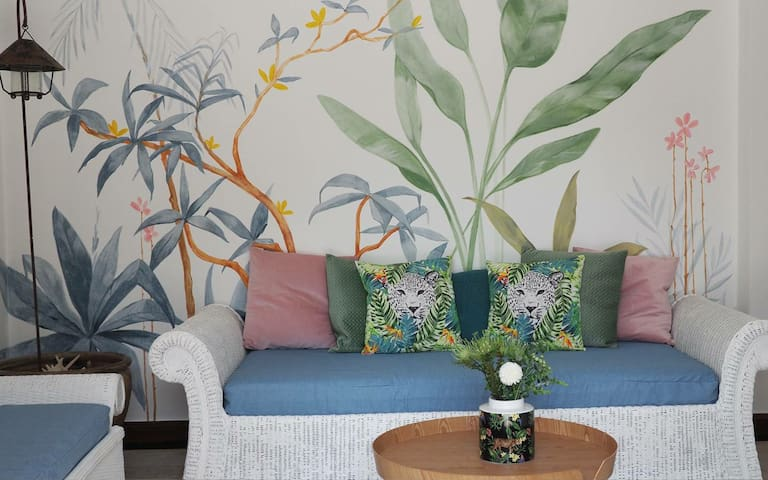 Rayong Beach House with garden