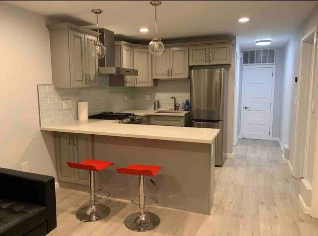 New remodel Entire home 1B1B kitchen in Daly City