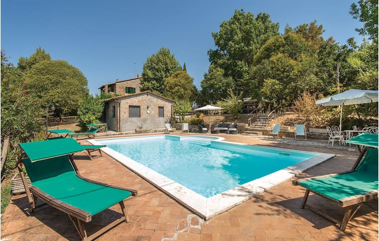 Holiday cottage with 5 bedrooms on 400m² in Narni TR