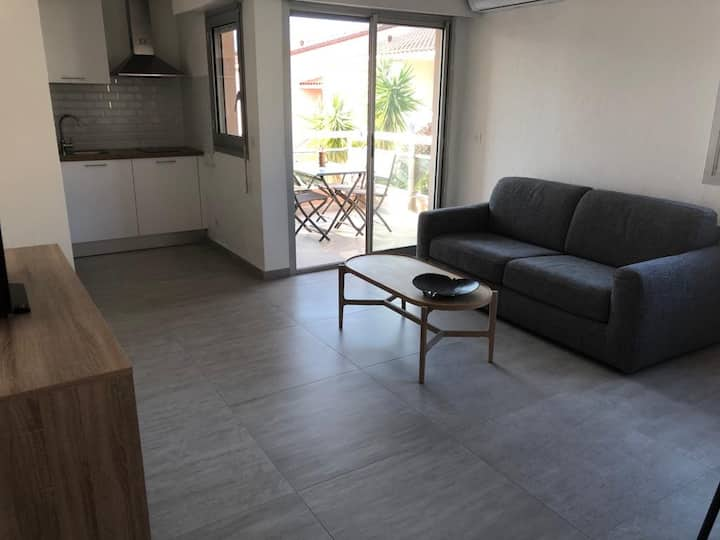 Seashore Apartment 40m2 with Garage included