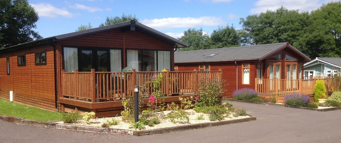 2 Bedroom Luxury Lodge at Blossom Hill - Honiton