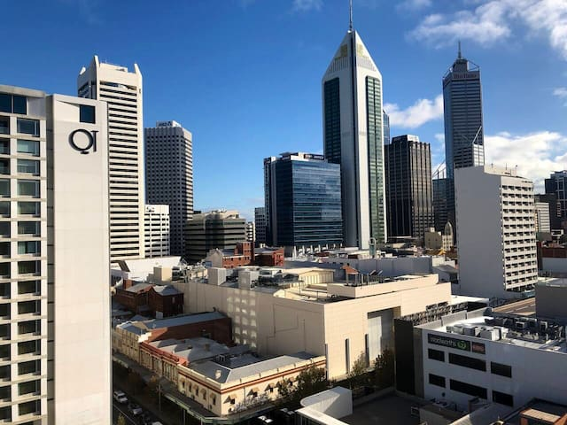 Cheaper & nicer than some hotels-Perth's best area