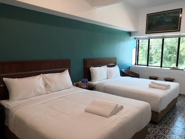 Pearl Inn Double Queen Room - RO4