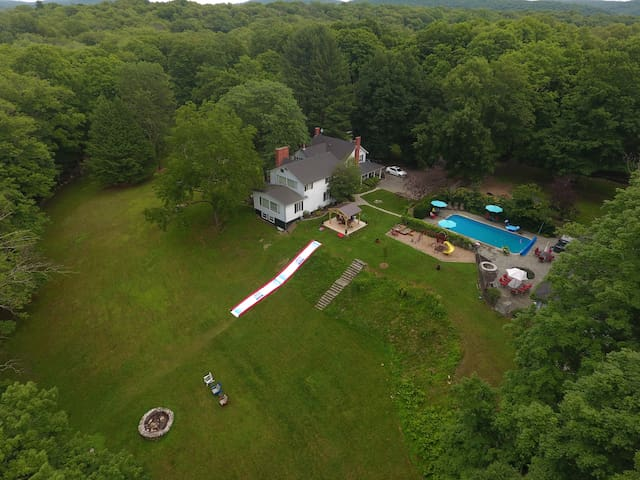 Fabulous Country Getaway Packed With Amenities