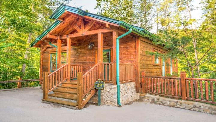 Gatlinburg Falls Resort - 2 Story, 1 Bedroom Cabin