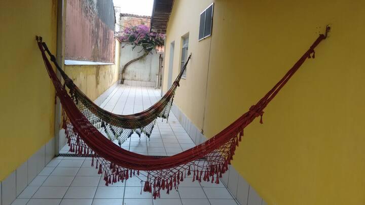 Casa em Peruíbe 3 DORM Churrasqueira 100M da praia