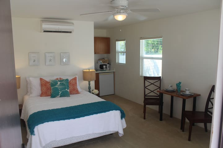 Beach suite! Garage Parking! - Ewa Beach - Apartment