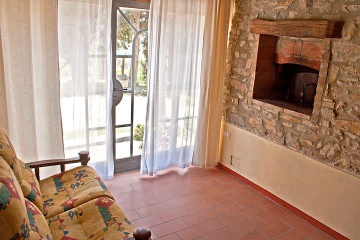 """Appartamento """"La Stalla"""" in agriturismo in collina - Castagneto Carducci - Apartment"""