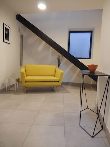Divonne - chambre avec salle d'eau - Divonne-les-Bains - House