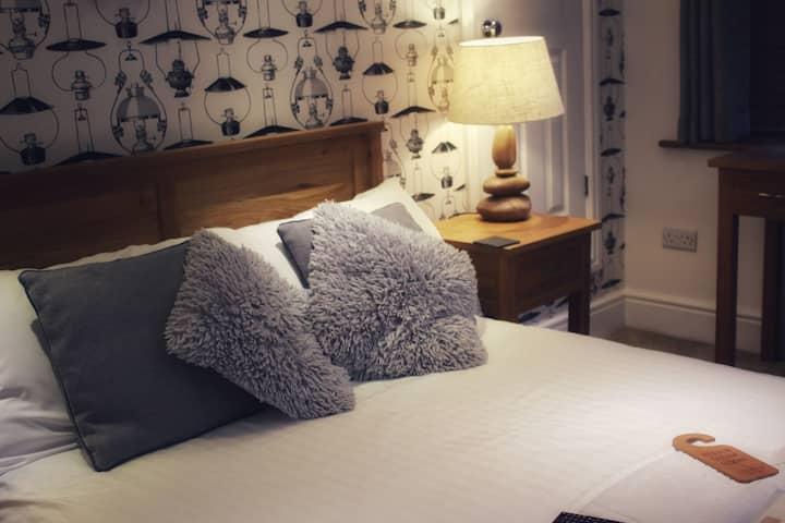 Standard Double En-Suite Bedroom