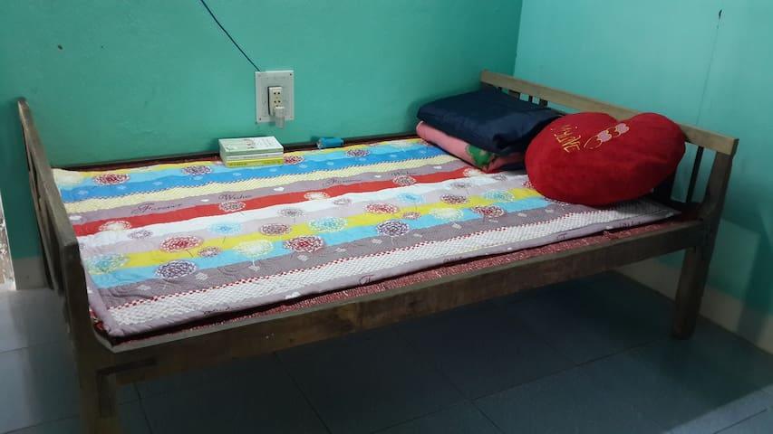 A quiet, clean room. - tp. Huế - Flat