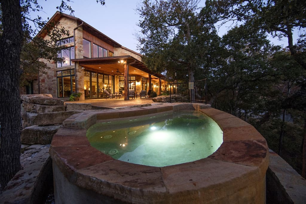 Pool/Hot Tub Overlooking Guadalupe River