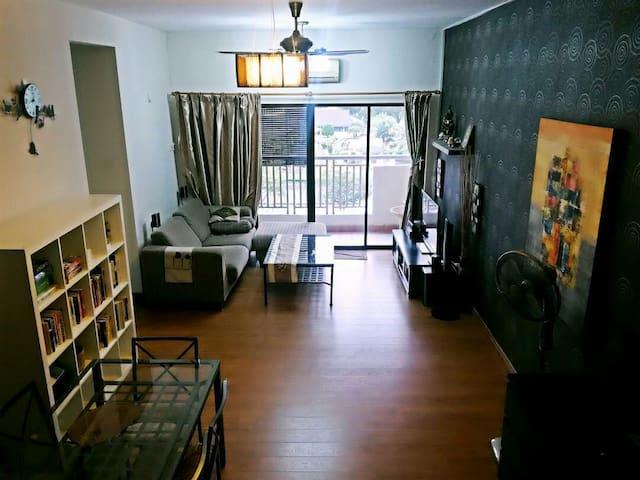 Pelangi Utama. Warm, cozy , spacious & clean home