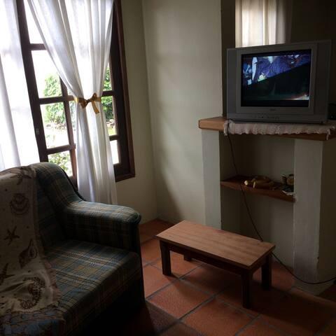 Aconchegante apartamento a uma quadra do mar - Torres - Wohnung