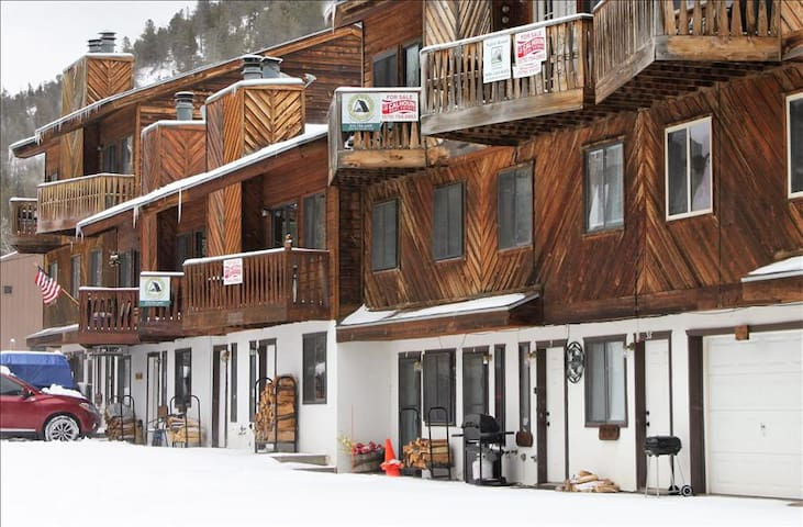 Aspen West #3S - Main Street Studio, Full Kitchen, WiFi, Satellite TV - Red River - Byt