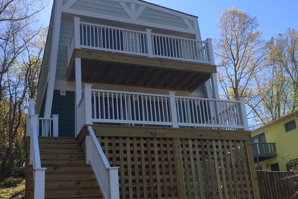 Double front decks from family room and master bedroom.