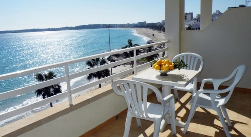 Apartment Balcony sea view wifi lift 5m from beach
