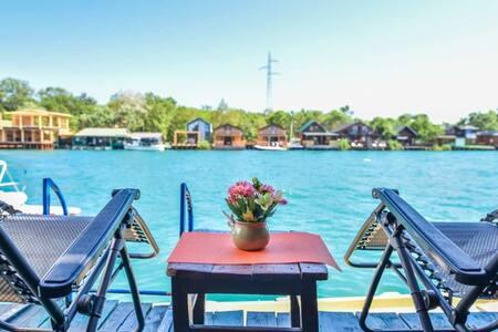 Sunny River Cottage
