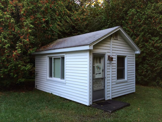 The Love Shack is only 205 sq. ft. - Saint Ignace - House