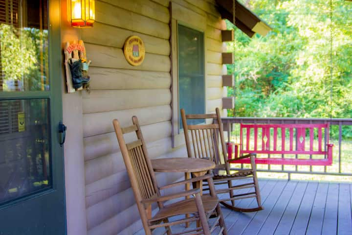 Cabins on Grand- Cabin #4