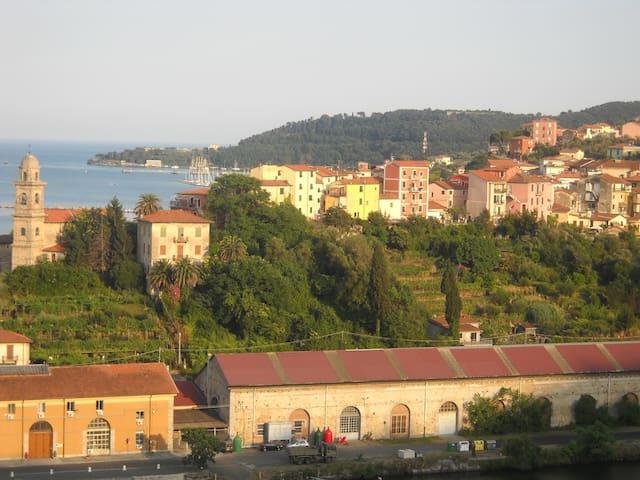 Grazioso bilocale indipendente - La Spezia - Huoneisto