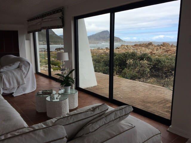 Beachhouse an hour from Cape Town - Rooi-Els