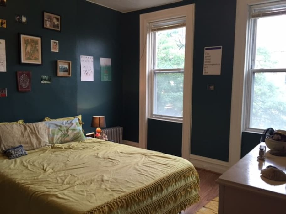 Master Bedroom In Artsy Bushwick Flats For Rent In Brooklyn New York United States