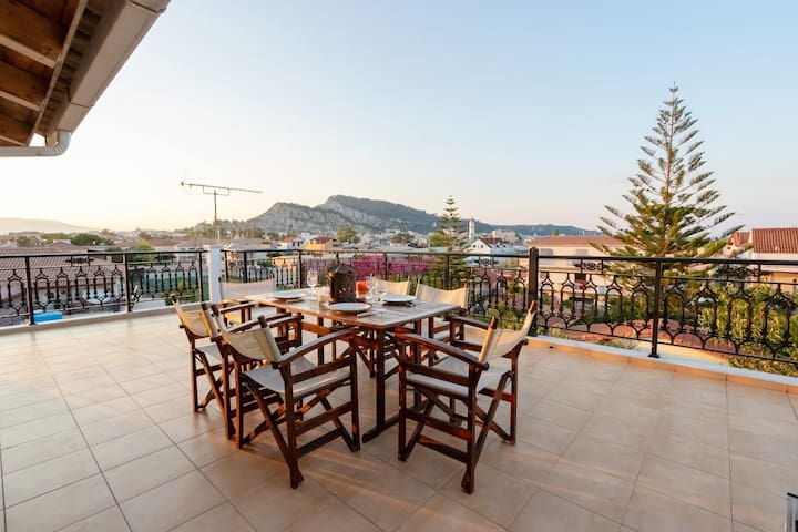 Sunny 2-bedroom Apartment(75 m2)