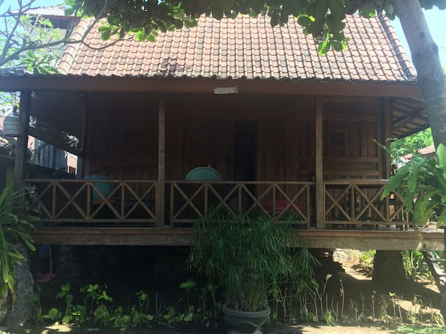 2 lovely, teak, joglo houses & pool - Sanur - Huis