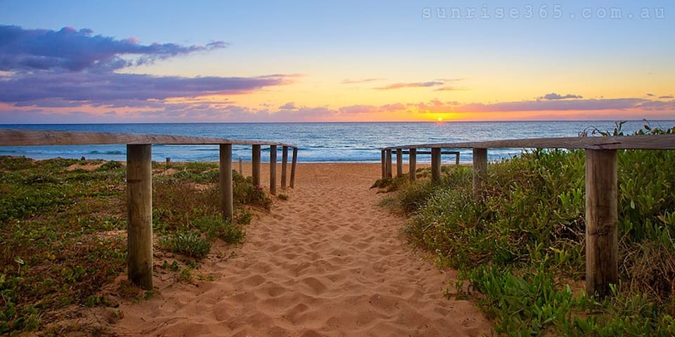 A little slice of paradise - Narrabeen - Pis