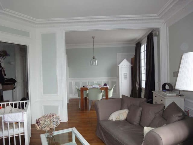55sqm apartment 20min RER Paris