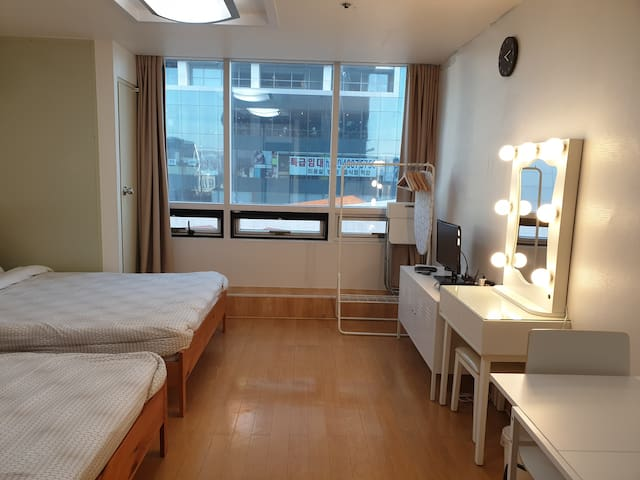 Hongdae Epicenter #M4! Best Location! Best Value!