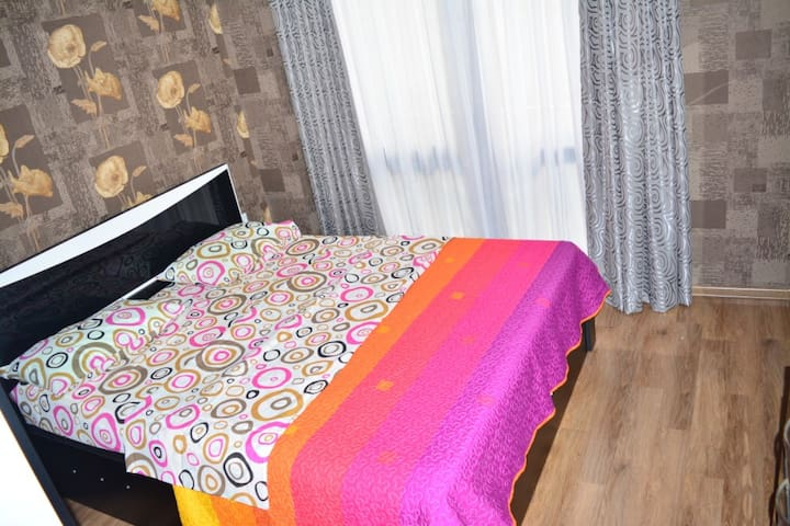 Flat in Chovelidze st. 6 [4p] F-2 - Tbilisi - Apartment