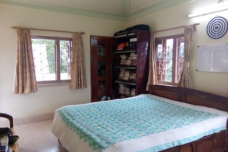 Cozy terrace room with amazing view - Bolpur