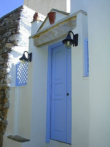 Renovated stone house in Hora - AMORGOS - Ev