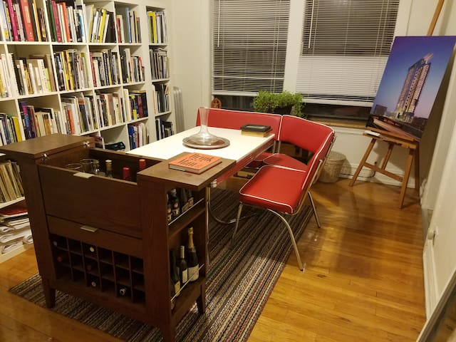 Your Charming Hyde Park Hideaway - Chicago - Appartement