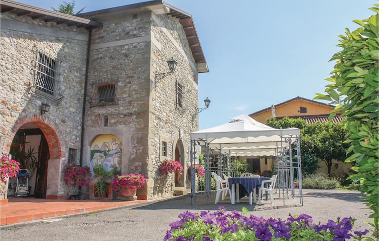 Holiday cottage with 2 bedrooms on 59m² in Fivizzano (MS)