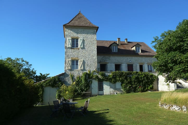 Lovely room with a view in the Lot - Cézac - Bed & Breakfast