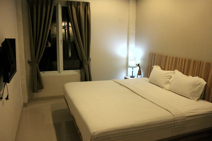 Comfy Stay with Indonesian Ethnic - Neglasari - Bed & Breakfast