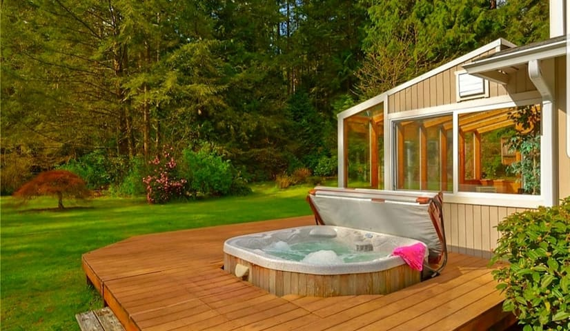 Relaxing private guest suite in Poulsbo