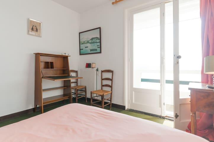 Chambre 3 milieu