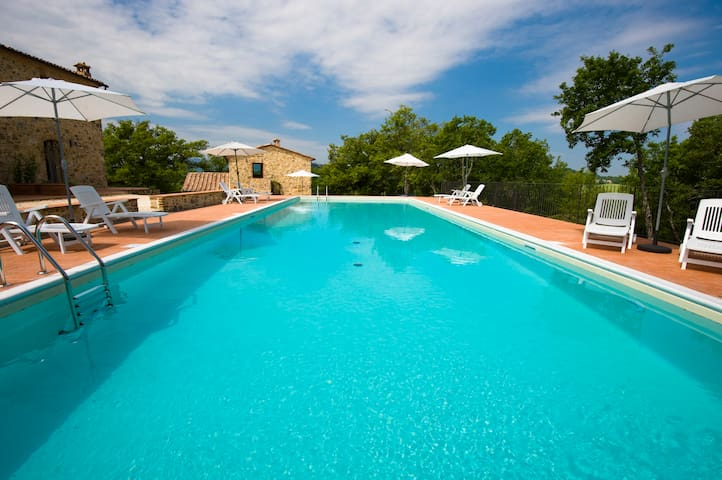 Lovely studio in Tuscany - Radicondoli - Huoneisto