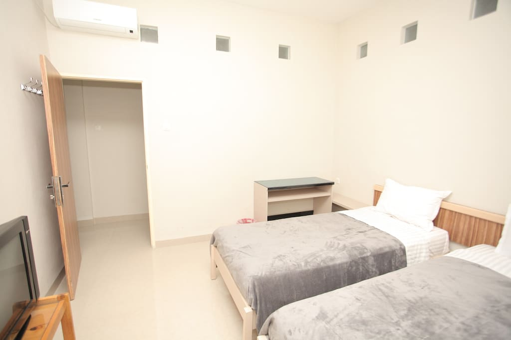 the room is equipped with television and airconditioner