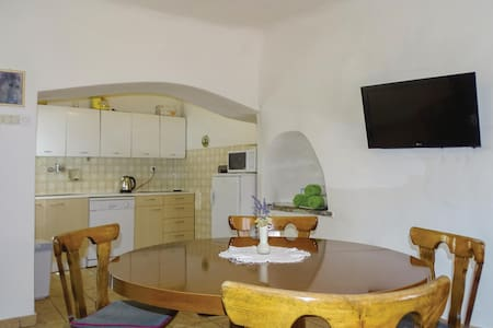 Holiday apartment with 2 bedrooms on 67m² in Stanjel